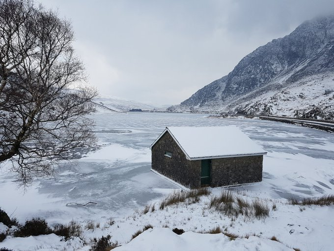 Llyn Ogwen frozen over. Photo courtesy of the North Wales Police.